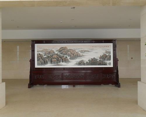 成都武警水电第九支队办公大楼4.8米×2.58米国画屏风