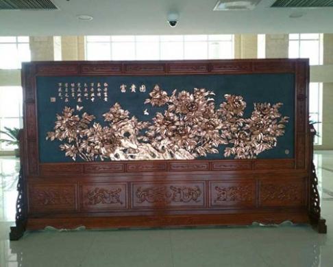 山东聊城阳谷县某单位订购的4.2×2.38米万里长城、富贵图 缅花屏风