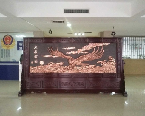 河南洛阳通河农副产品有限公司定制3.86×2.1米迎客松、沁园春.雪屏风