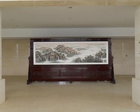 四川成都办公大楼4.8米×2.58米国画屏风