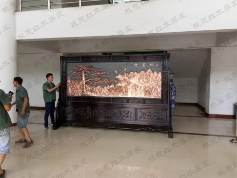 河南新乡鸿泰纸业3.6米×2.31米迎客松、沁园春.雪