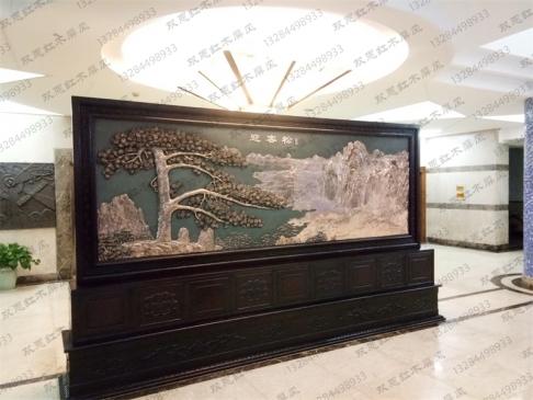 上海市育才中学4.2米×2.38米迎客松、沁园春.雪紫铜浮雕屏风