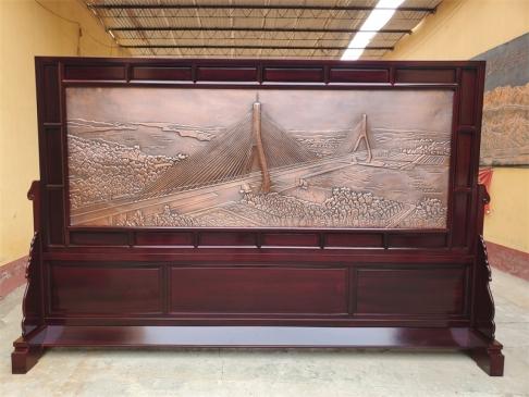 山东高速公司定做3.6米×2.31米红木紫铜浮雕屏风