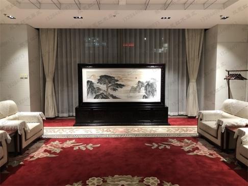 北京某单位2.8米×1.8米柜式红木国画屏风