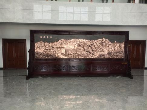 陕西榆林某企业大厅5.2米×2.38米万里长城、沁园春雪红木紫铜浮雕屏风